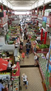 Overview of Tahiti fresh market
