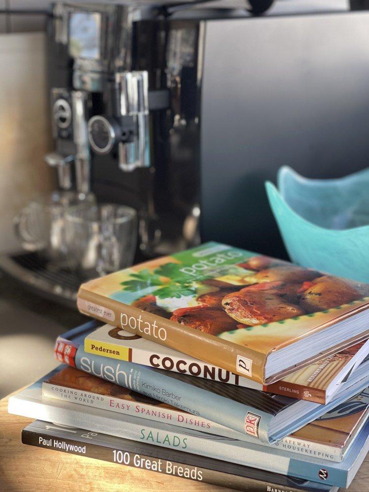 Galley stuff, cookbooks, coffee machine